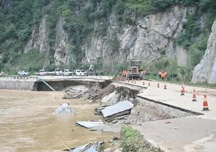 """陕西洛南县""""8·6暴雨""""已致5人死亡、10人失联,经济损失还在不断增加"""